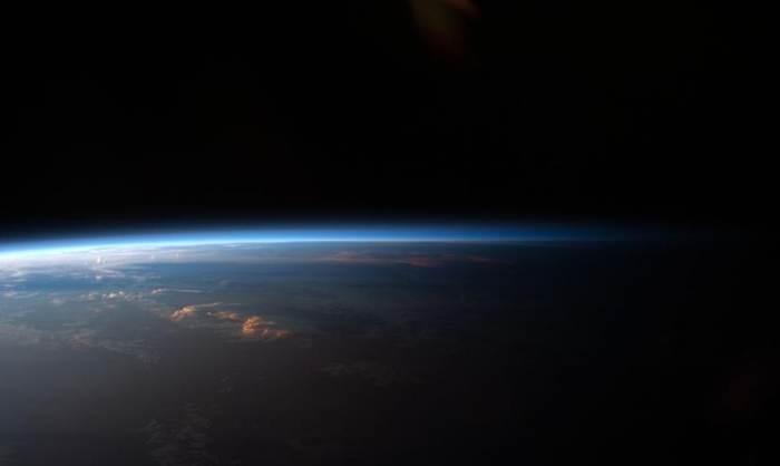 земля в темряві