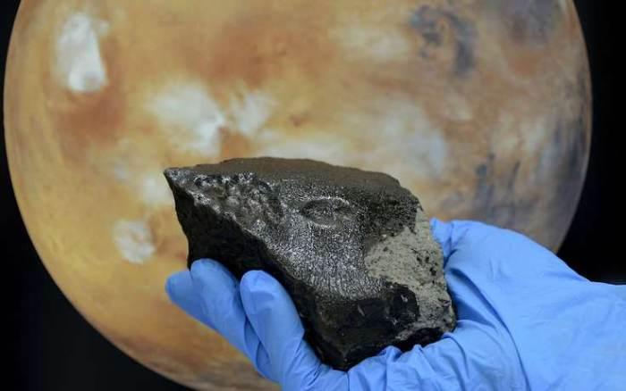 метеорит тіссінт