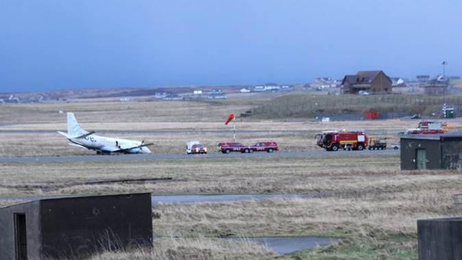здуло літак аеропорт шотландія