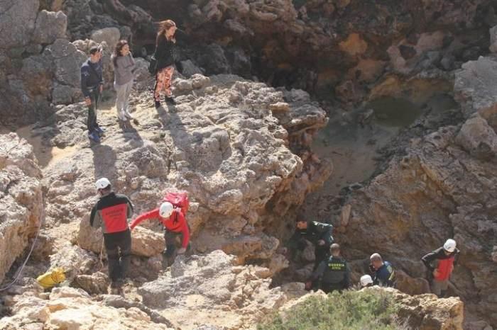 ібіці дівчина впала зі скелі
