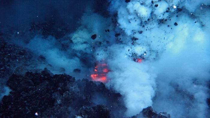 підводний вулкан