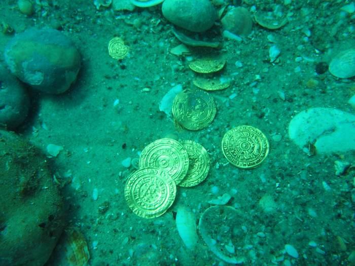 скарб золотих монет