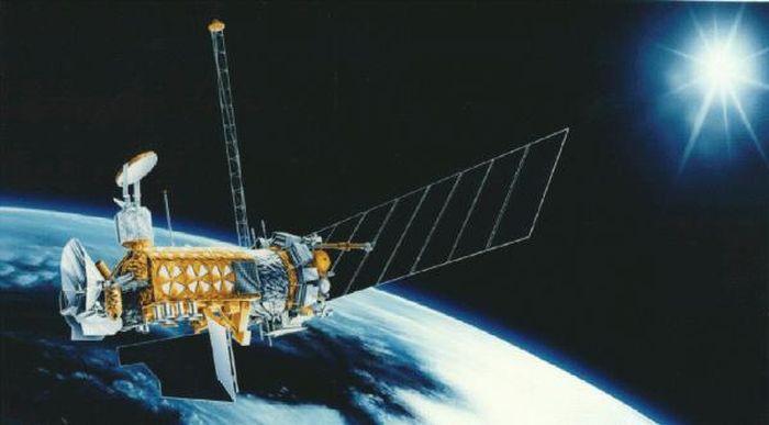 супутник DMSP-F13