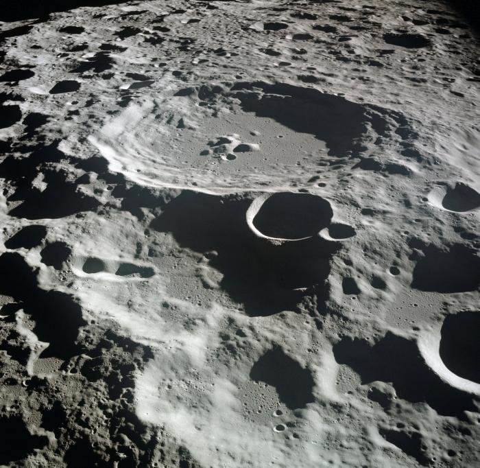кратер Амелії Ерхарт