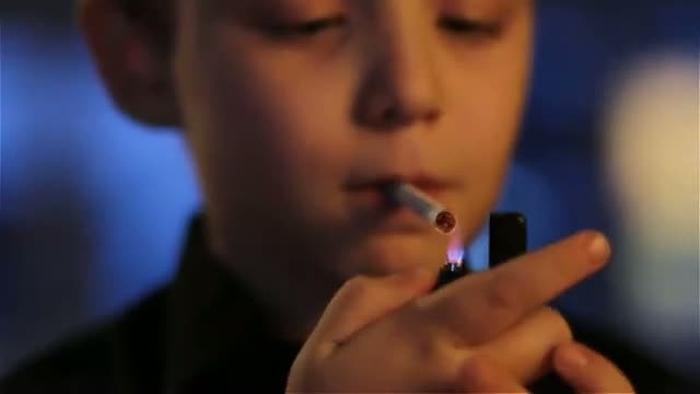 дитяче куріння