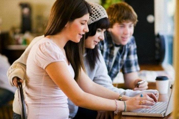 соціальні мережі підлітки