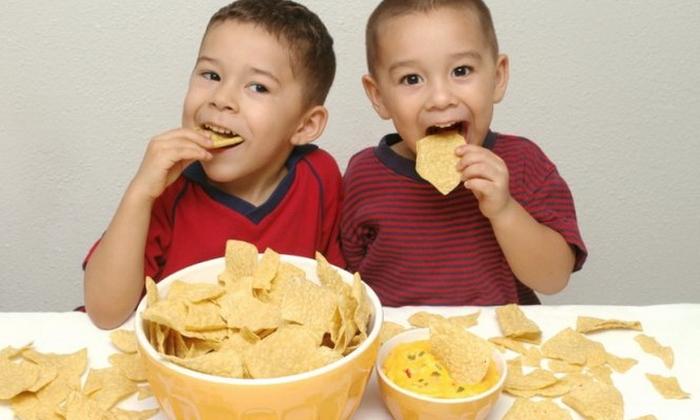 діти чіпси
