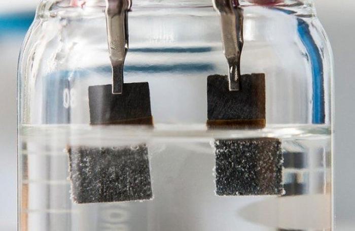 перетворення води в паливо
