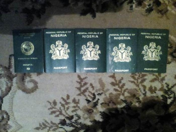 підроблені паспорти