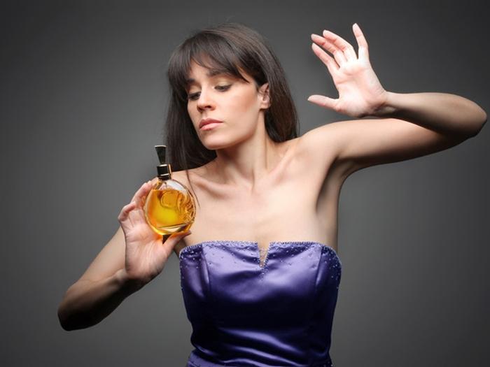 парфум жінка
