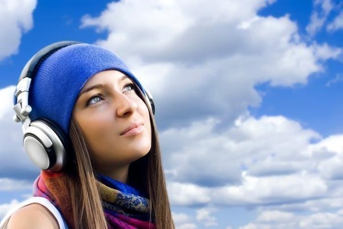 слухати музику
