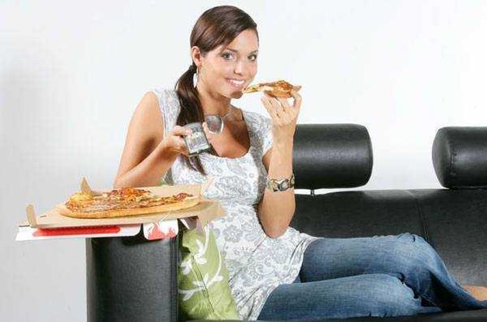їсти перед телевізором