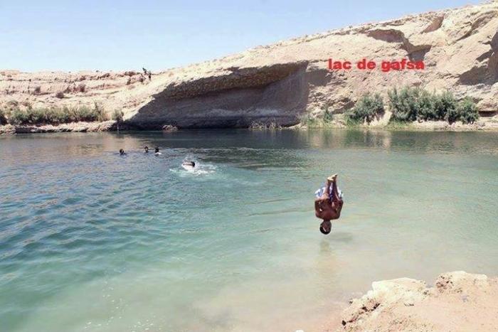 озеро посеред пустелі тунісу