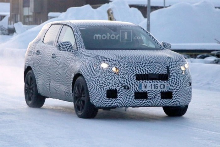 Peugeot 3008 на зимових тестах