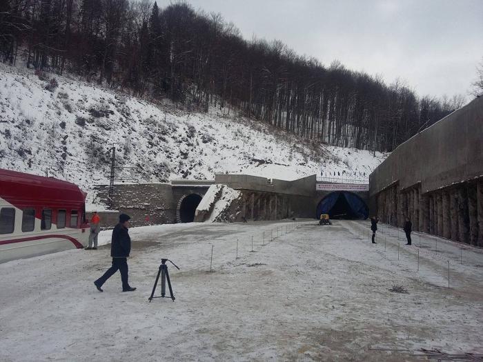 новий Бескидський тунель будівництво