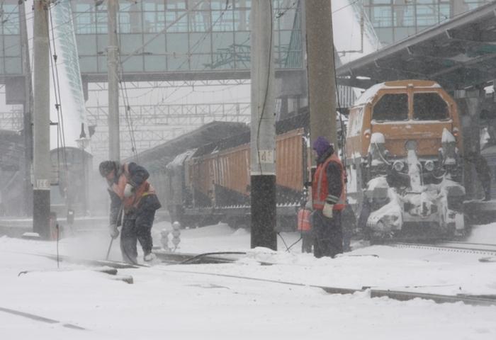 прибирання снігу укрзалізниця