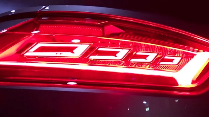 Audi TT RS задні ліхтарі на органічних світлодіодах