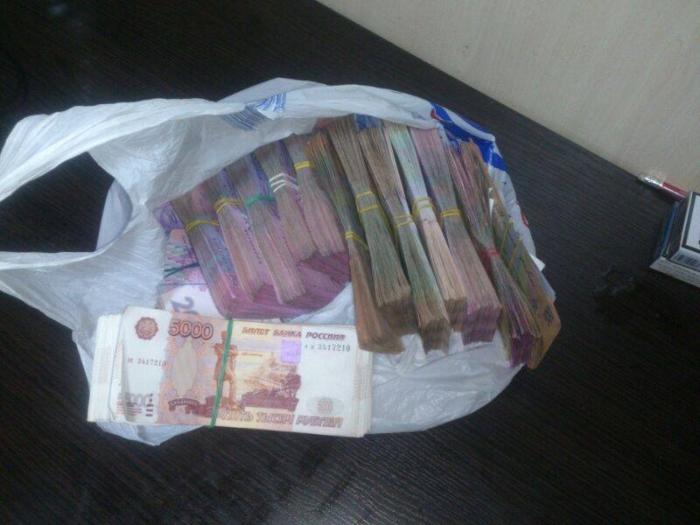 ввезення до ДНР грошей