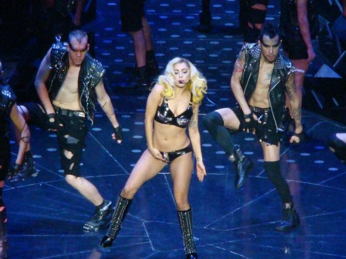 Леді Гага пісня Telephone