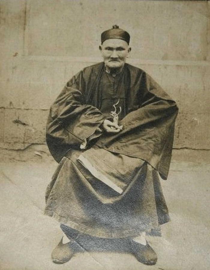 Лі Циньюнь