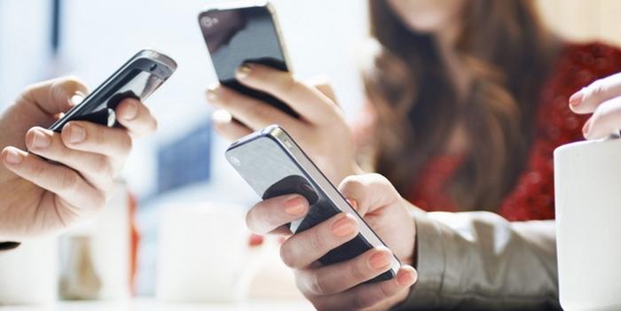 смартфони люди