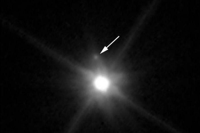 планета Макемаке з супутником
