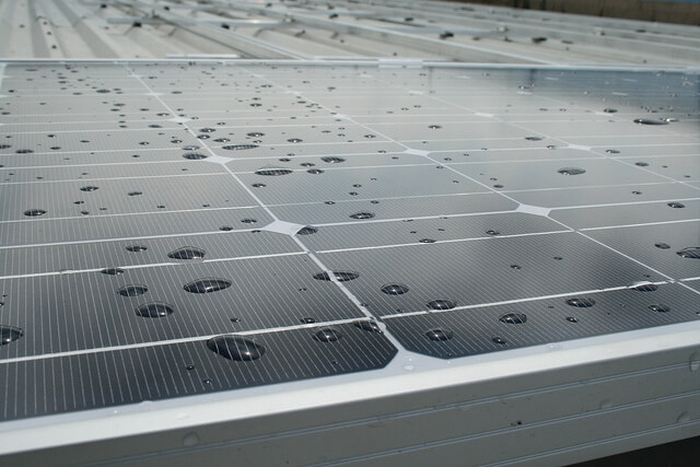 сонячні батареї дощ