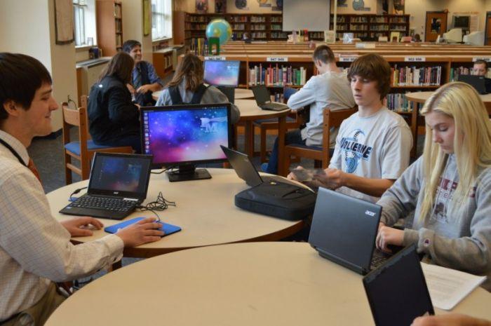 ноутбук учні