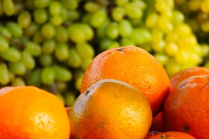 виноград і апельсини