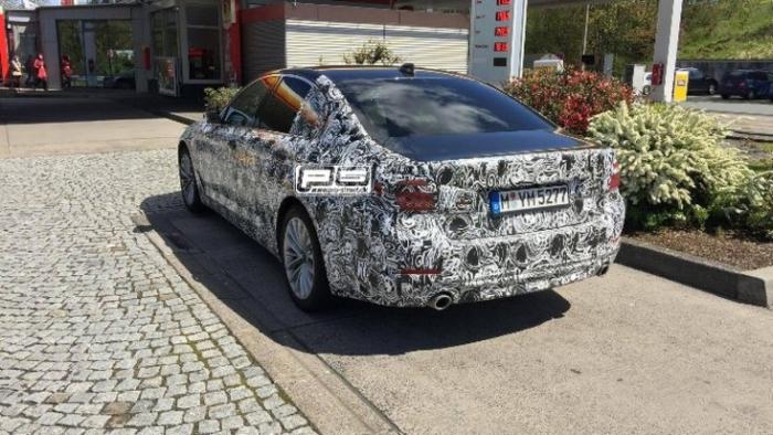 BMW 5 2017 на тестах