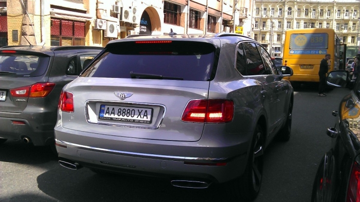 Bentley Bentayga в Києві