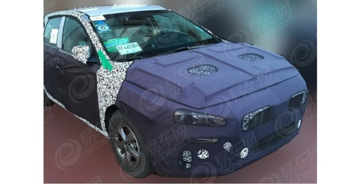 Хетчбек Hyundai Elantra