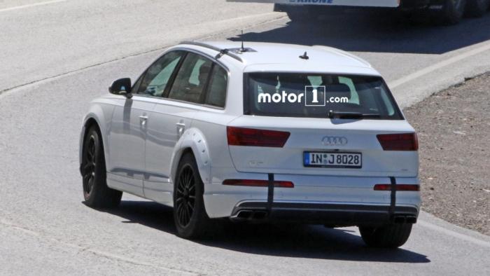 Audi Q8 на тестах