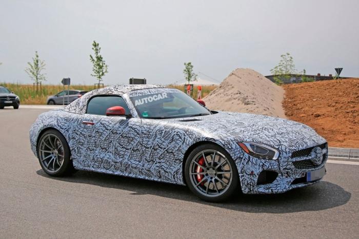 родстер Mercedes-AMG GT під час тестів