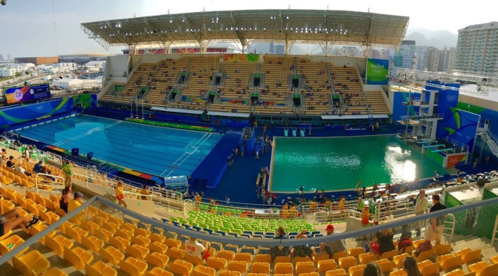позеленівший басейн в Ріо