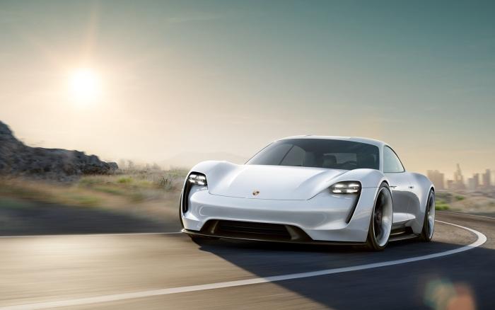 прототип Porsche Mission-E