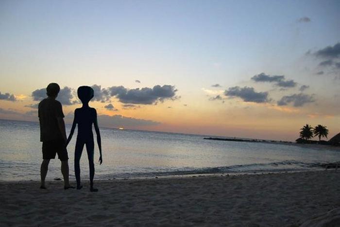 люди та інопланетяни