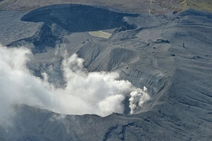 вулкан Асо в Японії