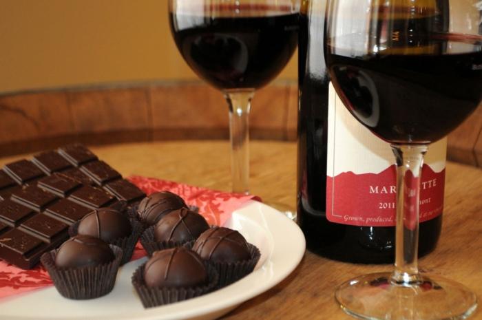 вино шоколад