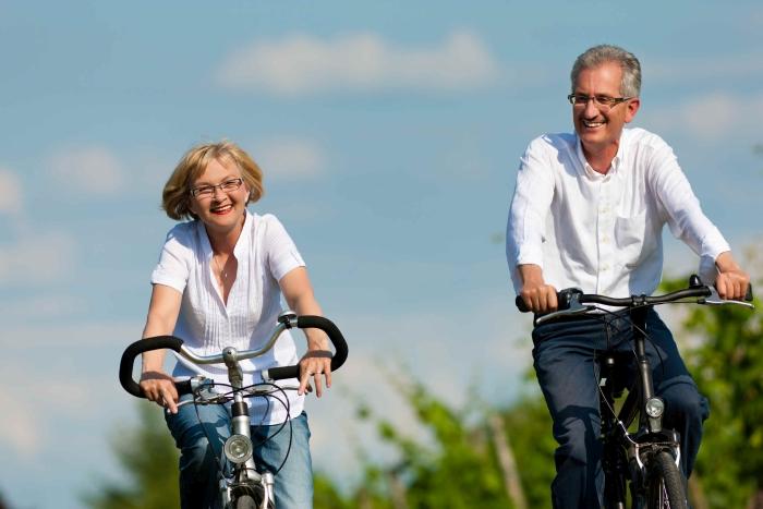пенсіонери на велосипеді