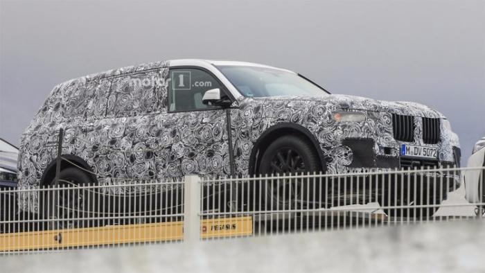 BMW X7 на тестах
