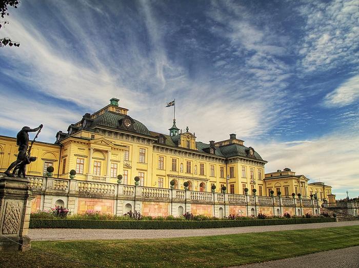 Палац Дроттнінгхольм