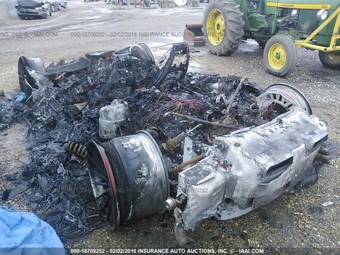 згорілий Lamborghini Huracan