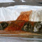 кривавий водопад в антарктиді
