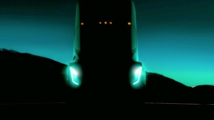 Tesla вантажівка