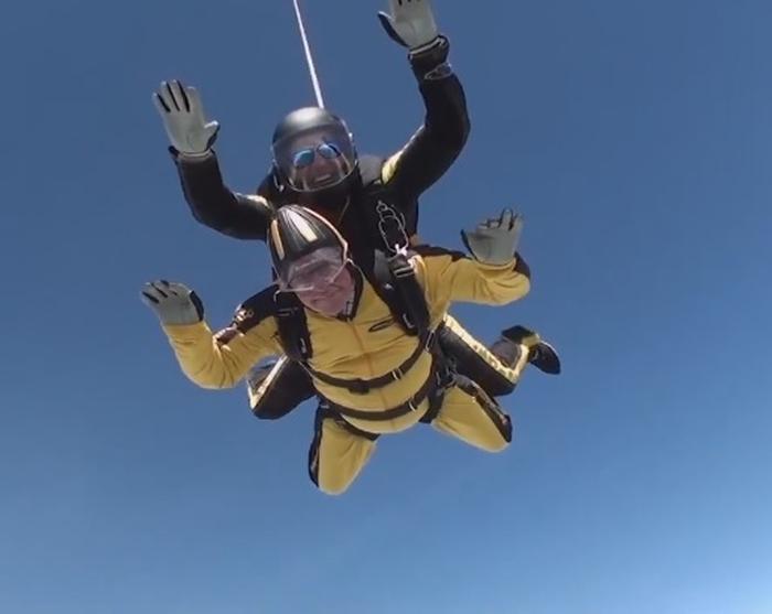 ветеран здійснив стрибок з парашута