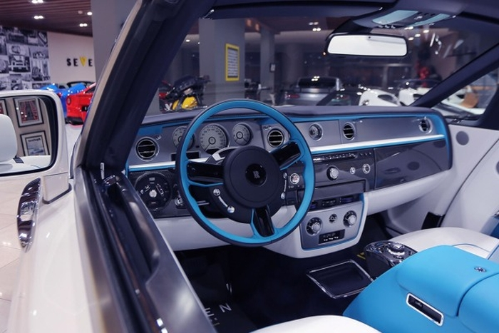 кабріолет Rolls-Royce Phantom