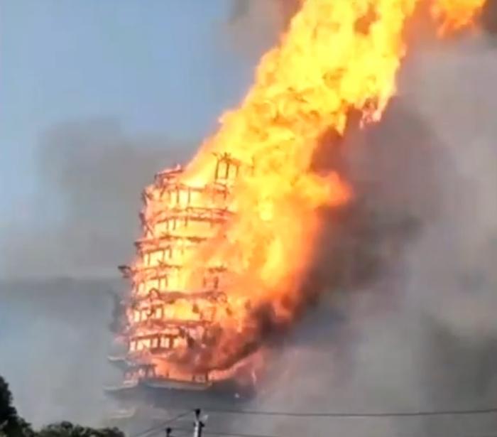 найвища дерев'яна пагода згоріла