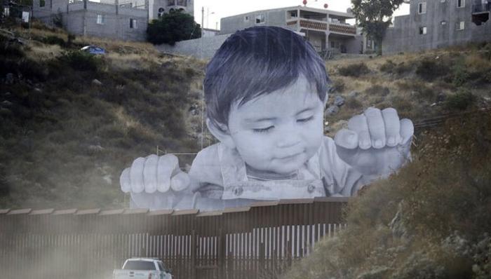 портрет дитини на кордоні