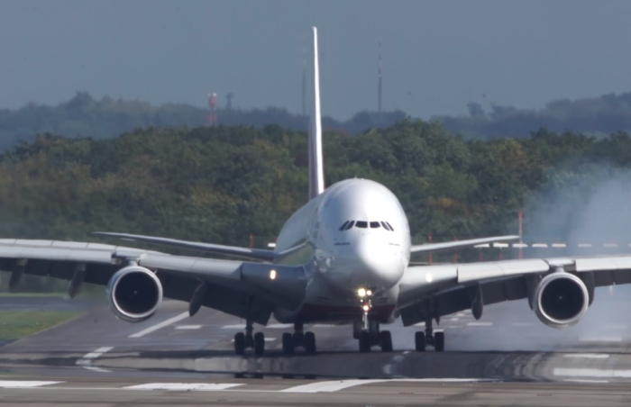 літак занесло при посадці